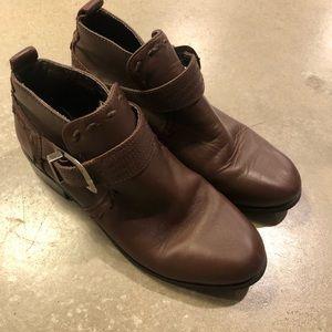 Roper short buckle boots